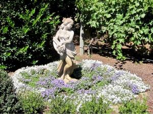 Statue & Garden Napa Winery